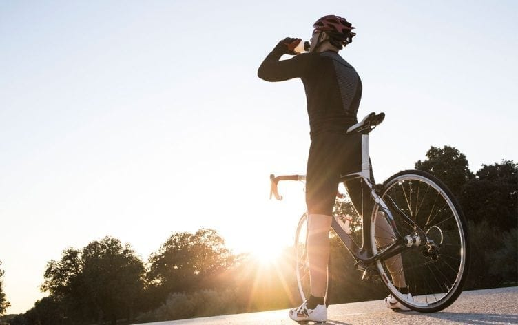Cycling Gear to Survive a Hot Weather Ride 752x472 1